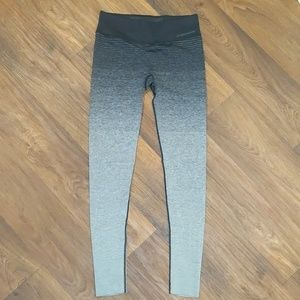 Brooks gradient fade gray black running leggings